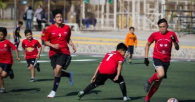 100 menores participaron de jornada futbolera en el Carlos Dittborn