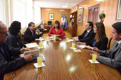 Intendenta y director nacional de Adunas coordinan acciones para optimizar servicios en frontera norte